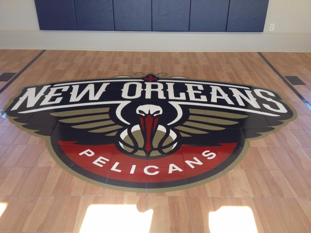 Indoor maple Shock Tower with New Orleans Pelicans logo