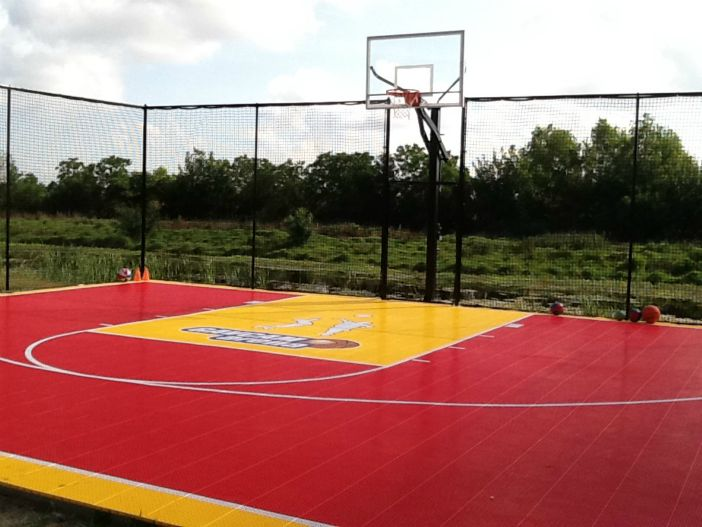 30'x36' game court with custom logo
